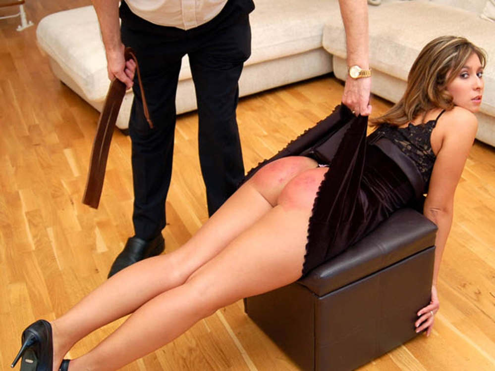 Descargas de videos de Lady Spanked